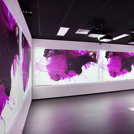 video screens in USC immerse lab